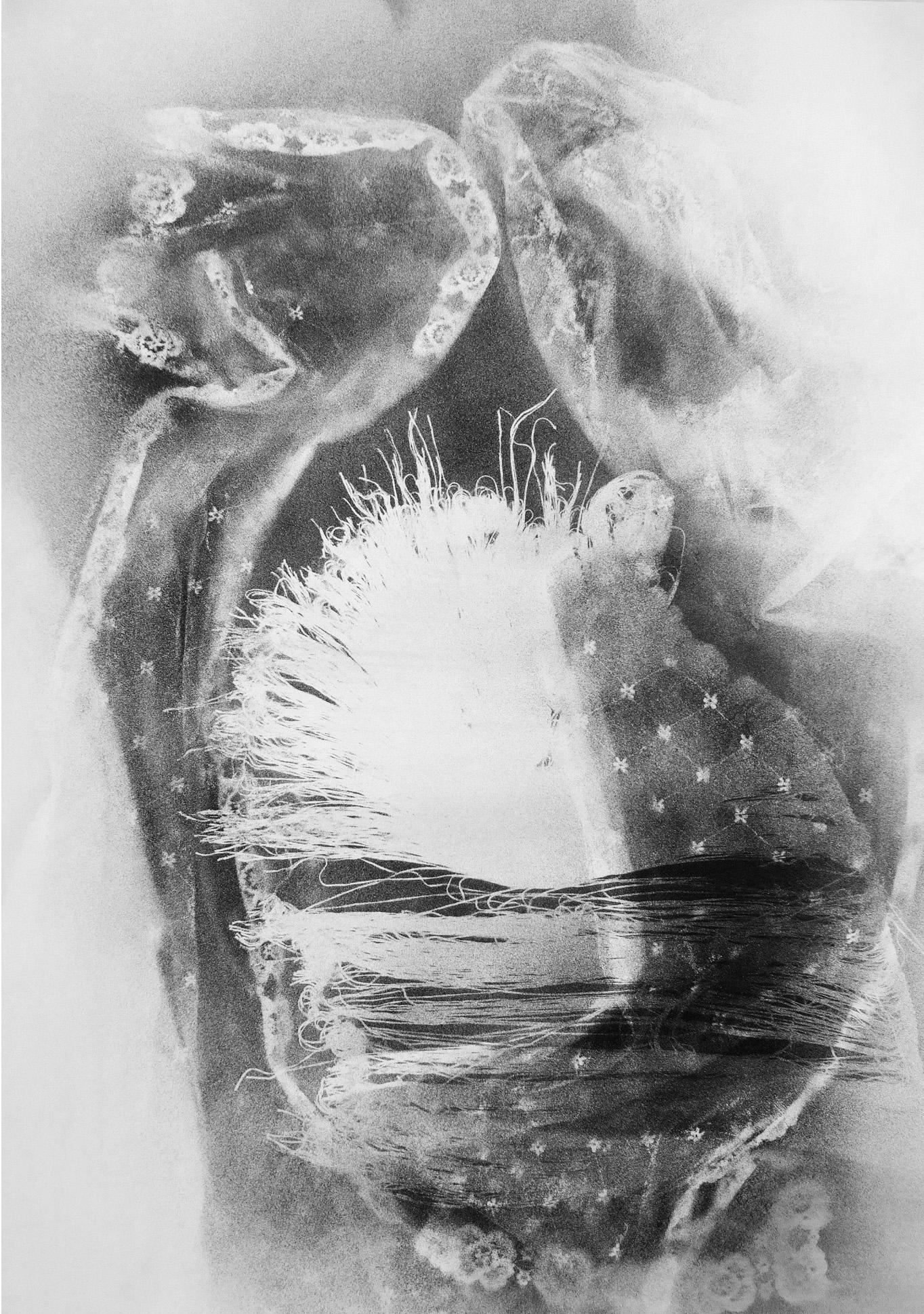 autoritratto, disegno con polvere di grafite su carta, 100x70, 2009 collezione privata